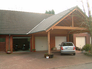Garage mit Carport