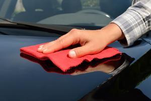 Auto trocken wischen polieren