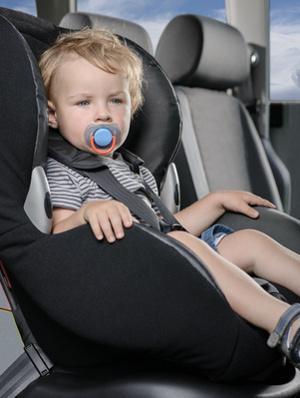 Bild Kind im Kindersitz