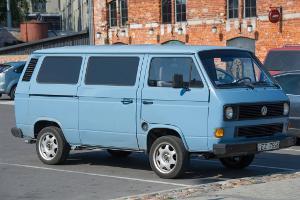 Bild blauer VW T3