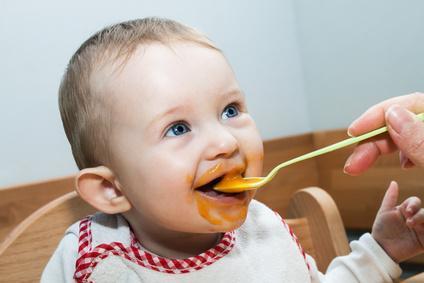 Bild Baby isst Brei