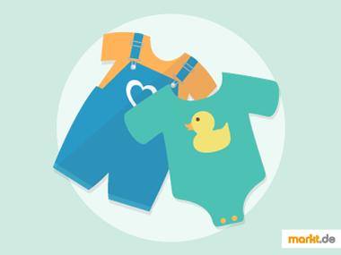 Bild Babystrampler und blaue Latzhose