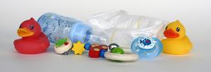 Bild Windeln und Kinderspielzeug