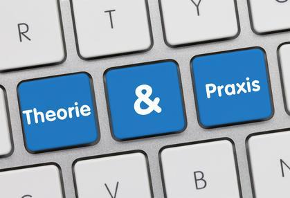 Tastatur mit Theorie & Praxis Knöpfen