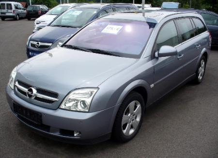 Opel_Vectra_C_Caravan_19_CDTI_Vorfacelift_Lichtsilber