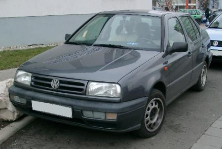 VW_Vento_front