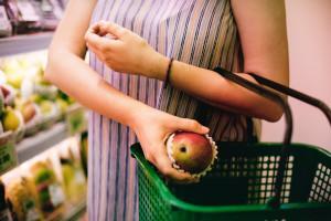Flirten beim Einkaufen - Knisternde Spannung zwischen Gurken und Melonen