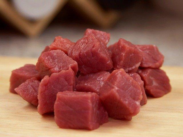 Rohes Fleisch als Tiernahrung
