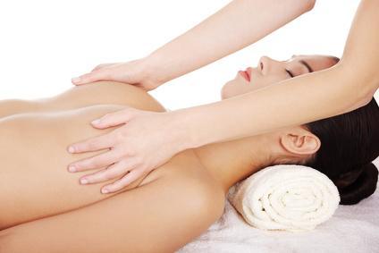 Brustmassage bei Frau