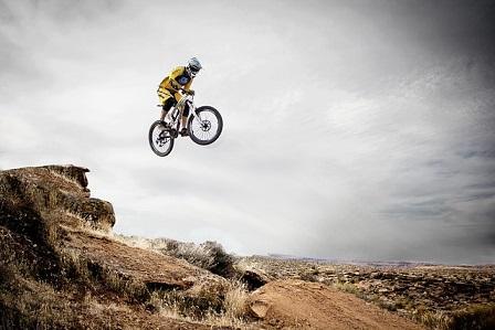Bild Downhill Sprung