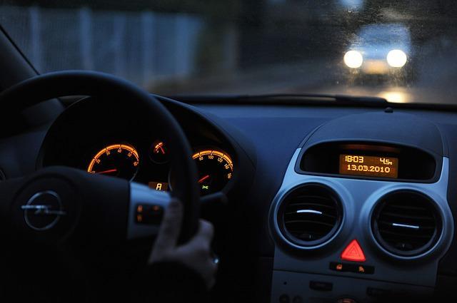 Bild Opel Vivaro Armaturenbrett
