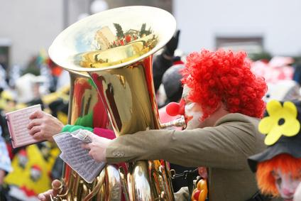 Bild Clown mit Tuba