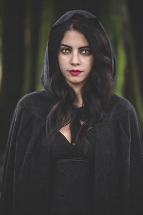 Bild Frau in Vampirkostüm