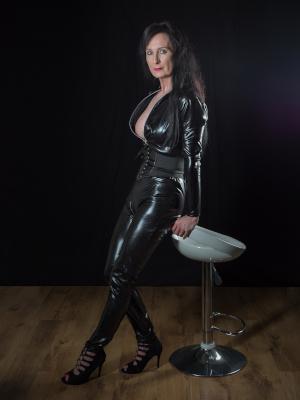 Latexkleidung Frau