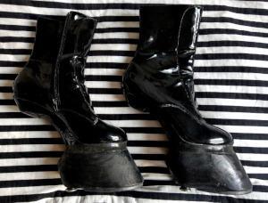 Pony Play Hufe / Schuhe