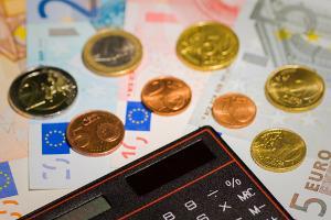 Bild Geld und Taschenrechner