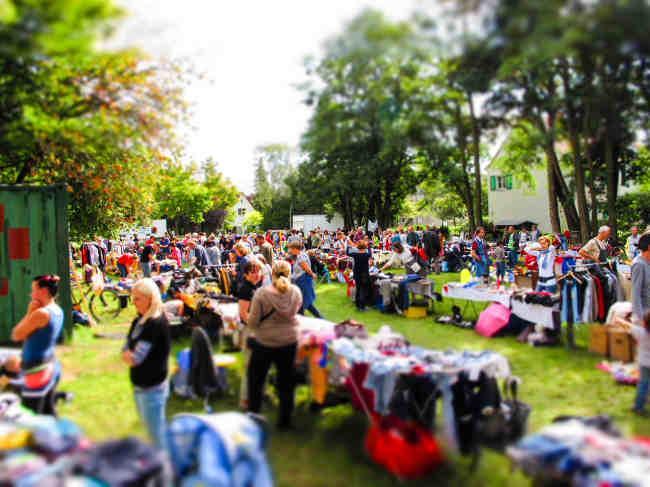 Bild Flohmarkt im Freien