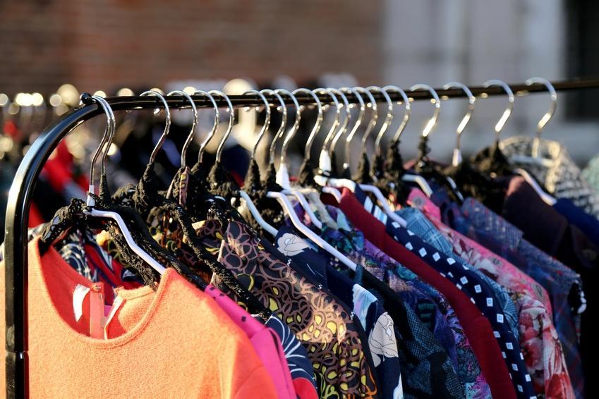 Bild Kleider Flohmarkt