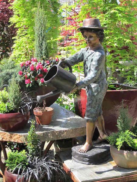 Bild Bewässerung mit Dekoration