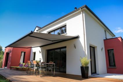 Sonnenschutz markisen terrasse  Markisen - Sonnenschutz für Terrasse und Balkon | markt.de