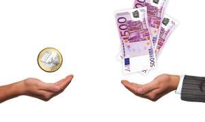 Bild Hände mit Bargeld