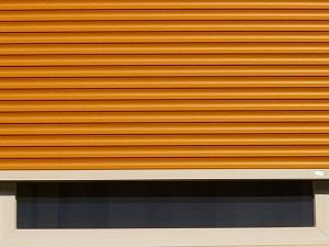 Orangener Rollladen