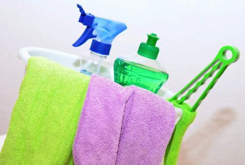 Haushaltshilfe Reinigungsmittel