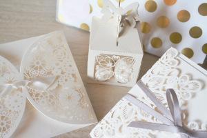 Hochzeitseinladung weiß