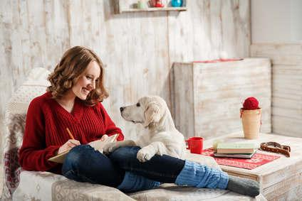 Bild von Frau mit Hund