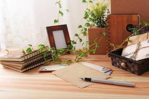 Brief auf Schreibtisch