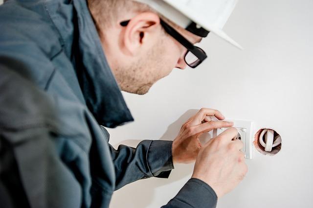 Wie sollte ein Elektriker ausgewählt werden? | markt.de