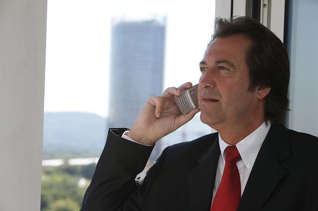 Bild Geschäftsführer am Telefon