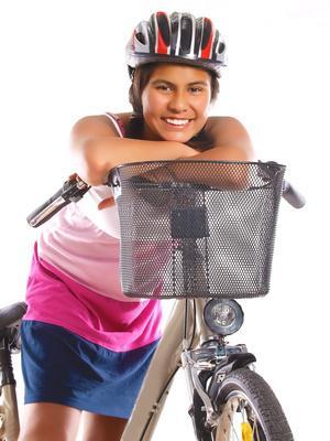 Bild von Mädchen mit Fahrrad