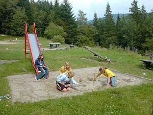 Bild Sandkästen sind für Kinder jeden Alters sehr beliebt