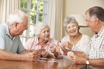 Glückliche Senioren WG