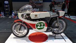 Bild altes, rot, weißes Rennmotorrad