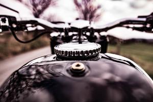 Bild schwarzer Motorradtank