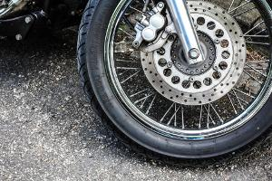 Bild Motorradreifen im Seitenprofil