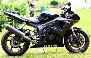 Bild schwarzes, sportliches Motorrad