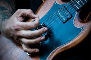 E-Gitarre ausprobieren