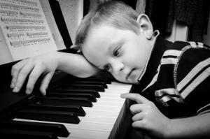 Bild Junge am Klavier