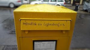 Briefkasten mit Liebesbotschaft