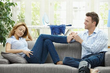Fußmassage beim Partner