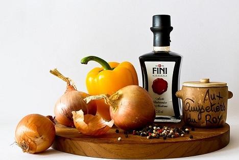 Paprika, Zwiebeln und Öl