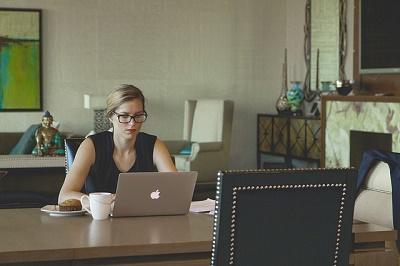 Frau Computer / Gay Spiele