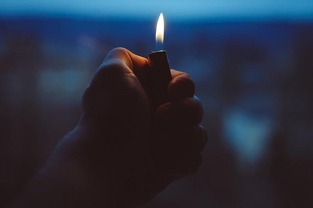 Bild Feuerzeug / Pyromanie