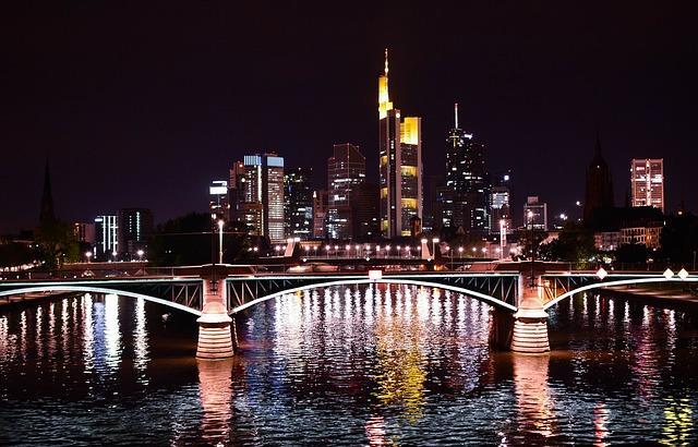 Bild Frankfurt bei Nacht