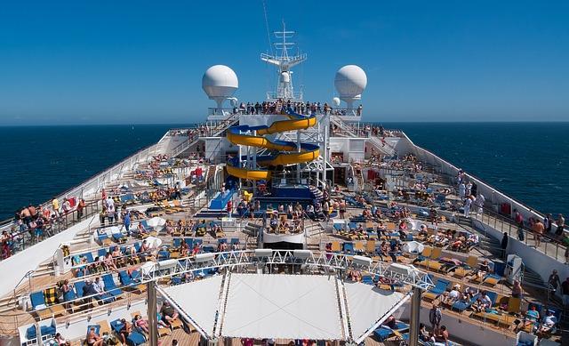 Bild Kreuzfahrtschiff Oberdeck
