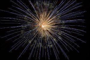 Bild rote Feuerwerkskörper
