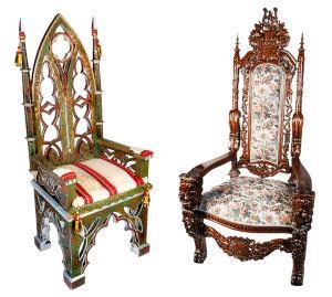 Stühle im Gotik-Stil